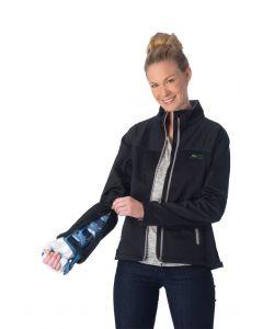 Schwarze Softshell Jacke mit extra Reißverschluss am Arm für die VACOhand Radius Orthese