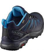 Dunkelblauer Salomon x Ultra 3 GTX Schuh mit hellblauen Streifen an der Seite und im Innenleben