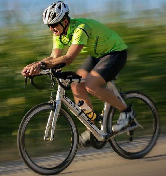 Fahrrad fahren mit Gips